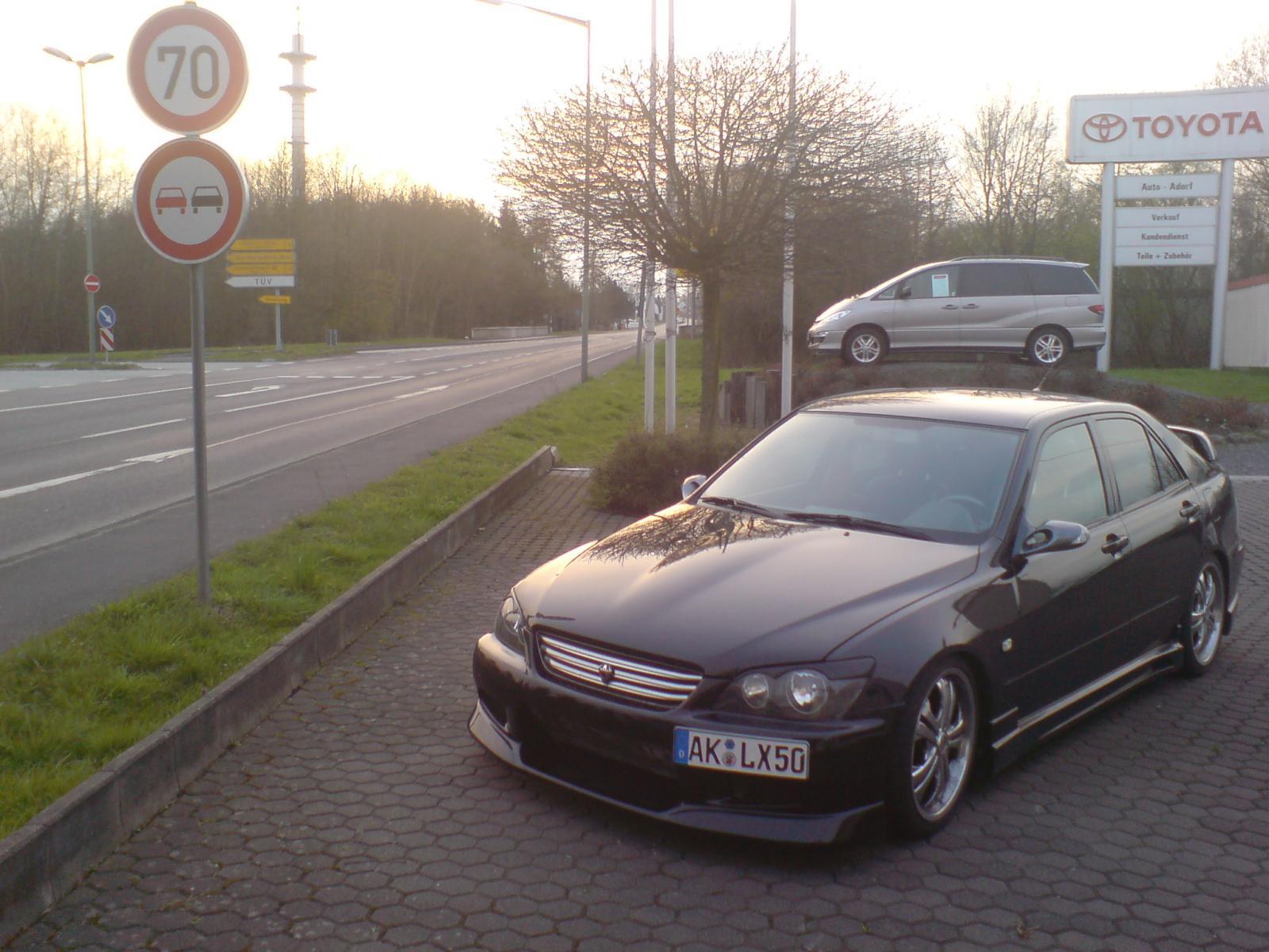 Lexus IS200 C-West