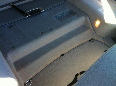 Kofferraum - Vorher - 3.JPG