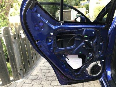 Lexus CT Tür ohne Verkleidung.JPG
