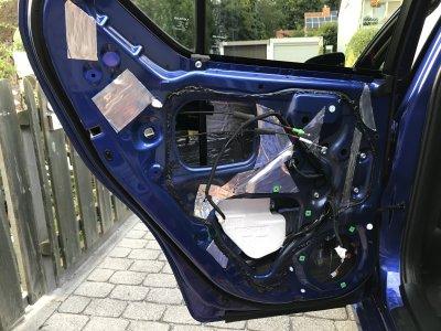 Lexus CT Tür mit Dämmung.JPG