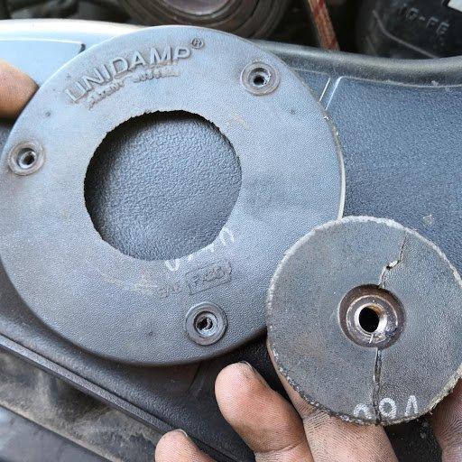 kaputte Mitnehmerscheibe Kompressor IS 200.jpg