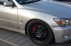 Lexus IS200 TTE Speedline Corse mit 10mm Spurplatten